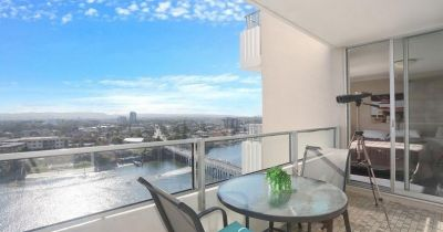 EXCLUSIVE WATERWAYS APARTMENTS! MAIN RIVER FRONTAGE!