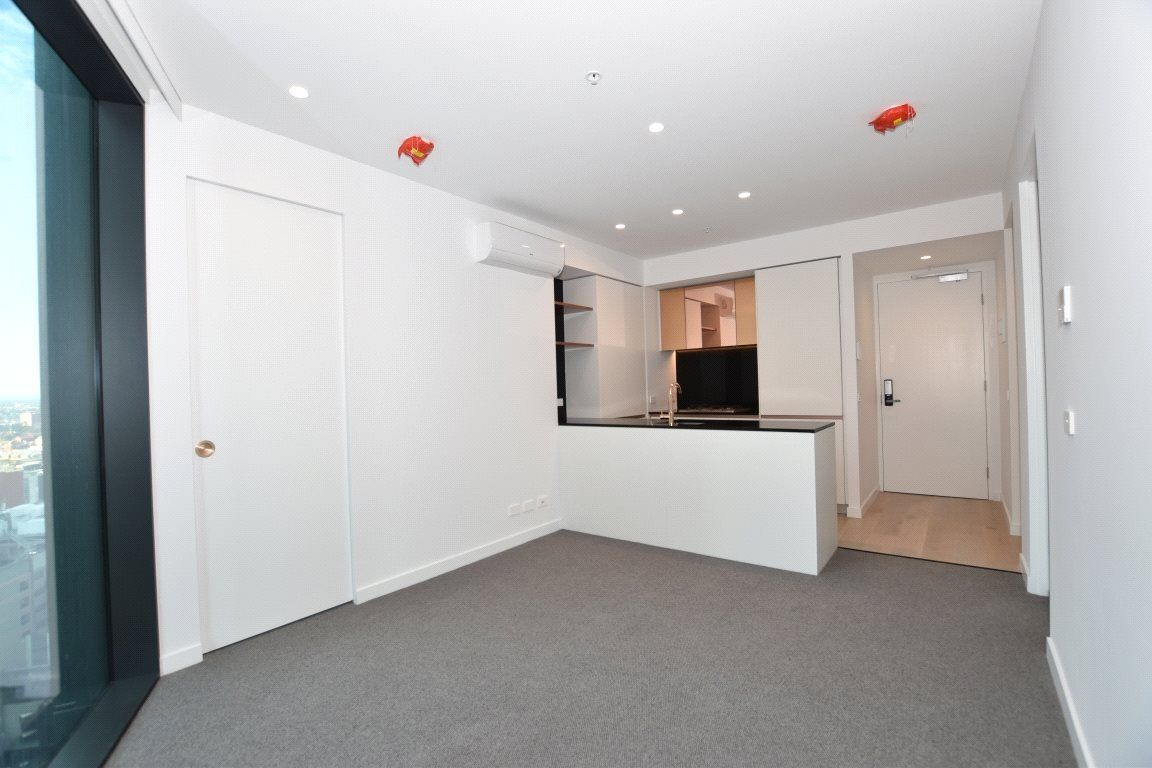 Aurora Melbourne Central: Stunning Brand New Two Bedroom Apartment! L/B
