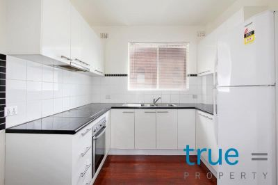 = HOLDING DEPOSIT RECEIVED = RECENTLY RENOVATED APARTMENT IN SOUGHT AFTER LOCATION