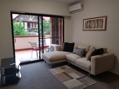 Furnished apartment in sought after location