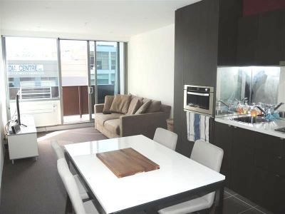 Flagstaff Place: Stunning City Chic Apartment!
