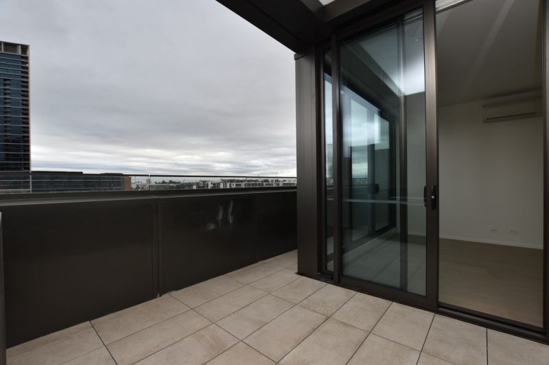 889 Collins Street: Stunning, Brand New One Bedroom Apartment in Docklands!