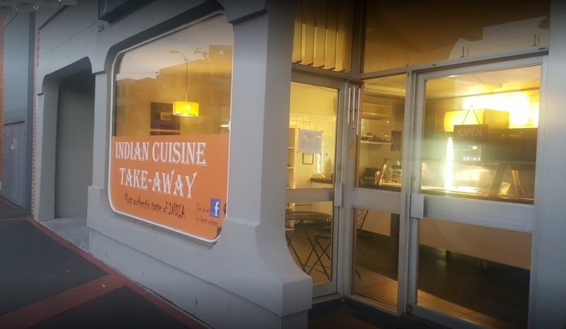 BARGAIN BUY!  ESTABLISHED TAKEAWAY WITH GOOD EQUIPMENT AND CHEAP RENT!