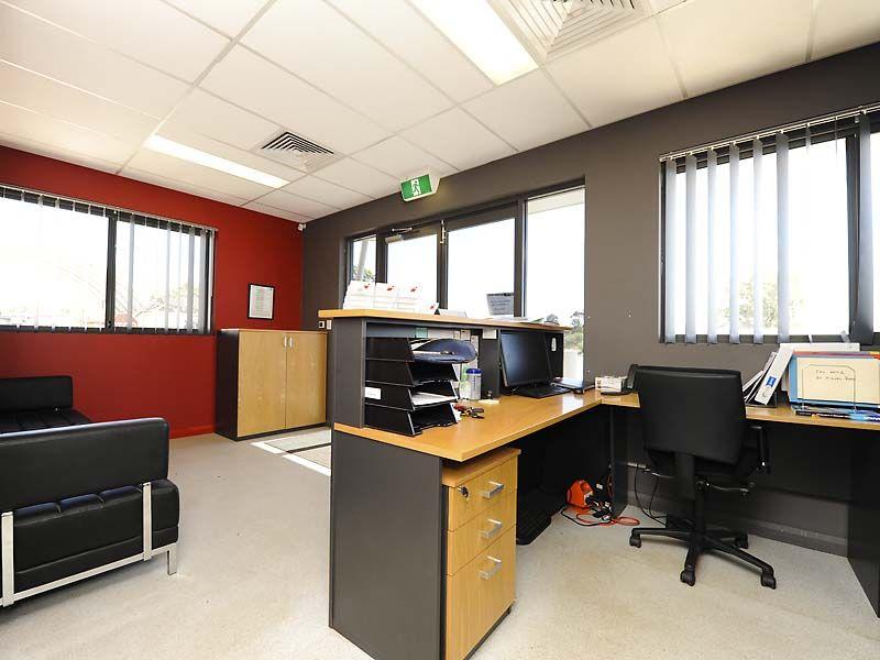 BIBRA LAKE OFFICE/WAREHOUSE PLUS YARD - ONE MONTHS RENT FREE