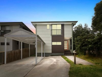 PERFECT LOCATION WITH LOW MAINTENANCE LIVING