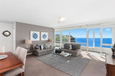Elegant Apartment With Stunning Views In Exclusive Location