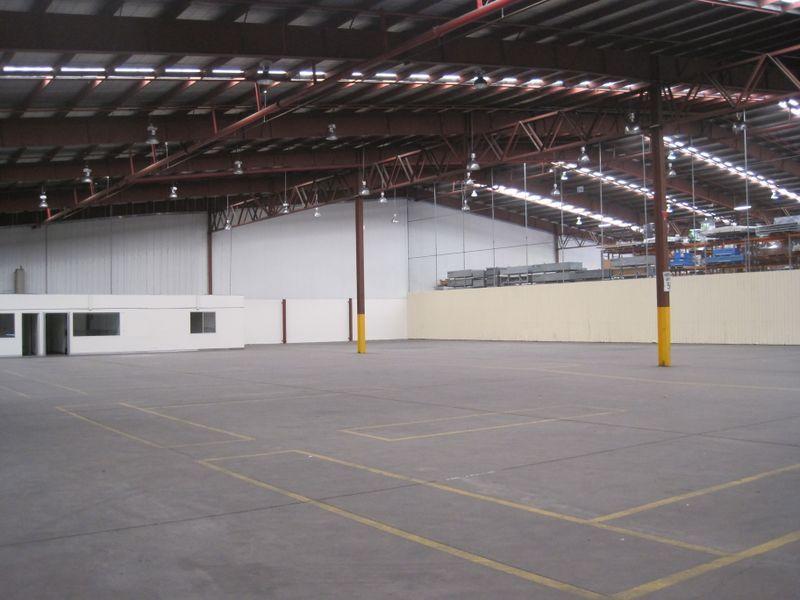 High Clearance Warehouse With Yard