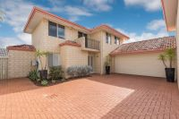 FAR END REAR TOWNHOUSE- TOP END RIVERVALE