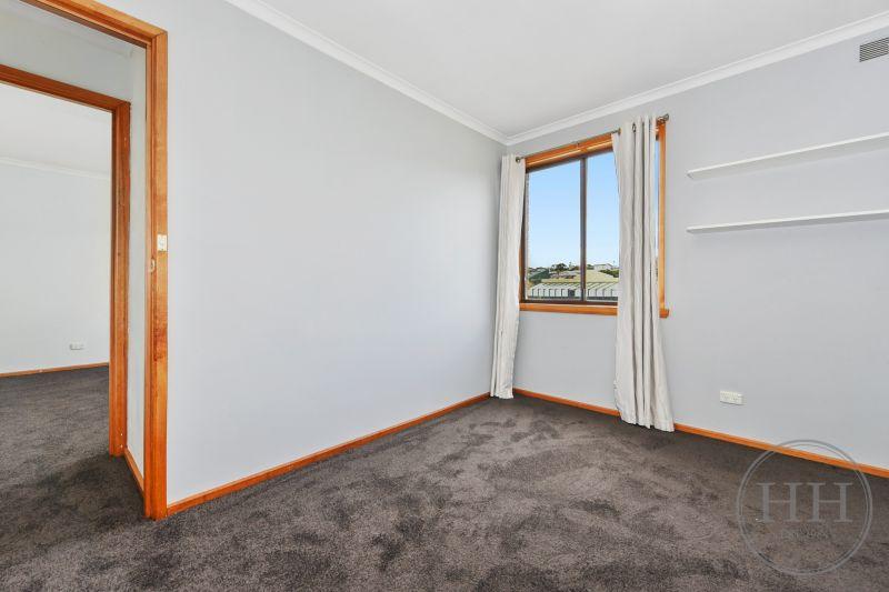 304 Hobart Road-13