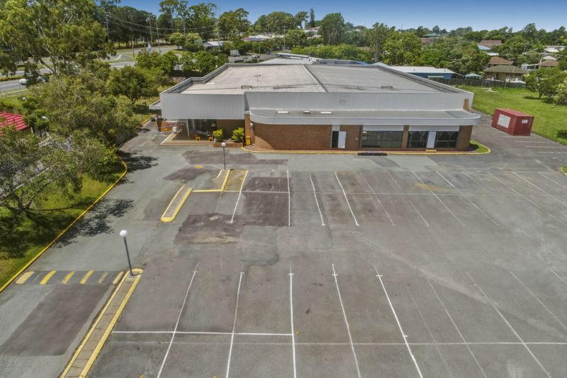 Large Retail Showroom/Indoor Recreation Facility with Generous Fit Out Incentives