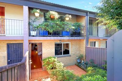 Affordable Family Townhouse in Prized Location.