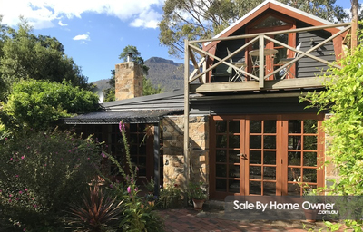 Unique Stone/Timber Cottage
