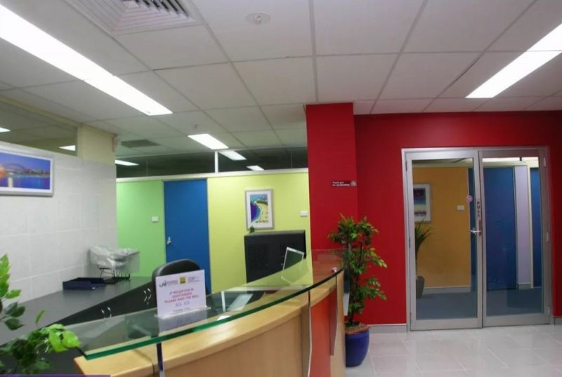 OFFICE SPACE - 266 m2 - CLOSE TO M5, 8KM TO CBD AND 3KM TO AIRPORT