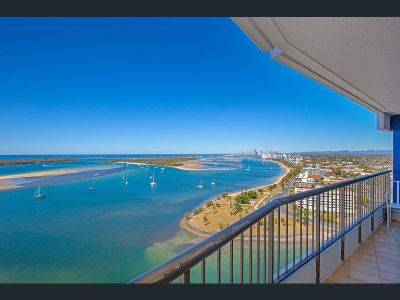 Fantastic Lifestyle on the Broadwater - Available Now