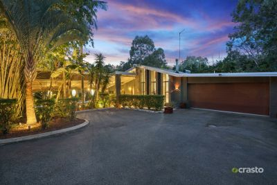Dual Living Option 2 mins from Pacific Motorway - Spacious & Character Acreage Lifestyle offering Potential & Opportunity!