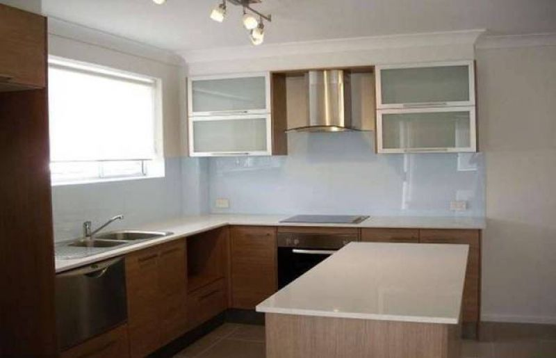 BEAUTIFUL MODERN SPACIOUS TWO BEDROOM UNIT