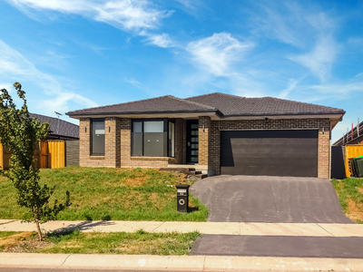 Chisholm, 52 Tarragon Way