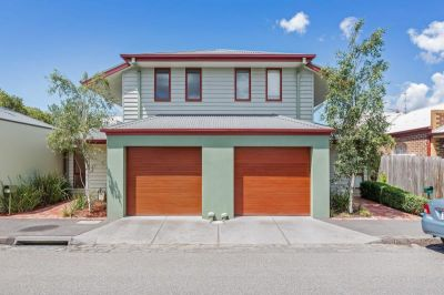 Stunning three bedroom home, location, comfort, and the everyday convenience with Yarraville Village at your door step