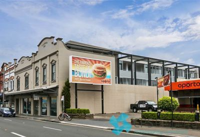 STYLISH EXECUTIVE ONE BEDROOM RESIDENCE IN THE HEART OF VIBRANT NEWTOWN