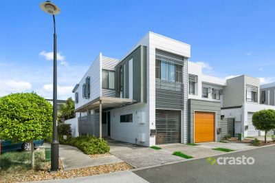 Beautifully appointed lifestyle just a mere stroll from Robina Town Centre