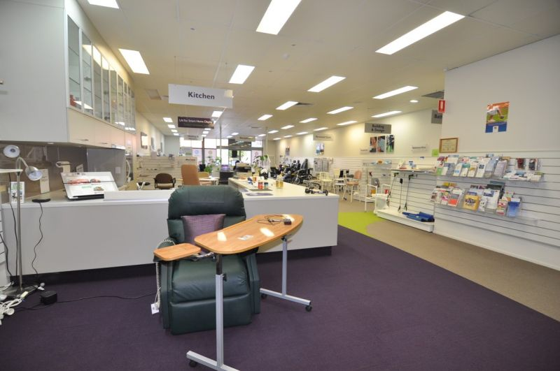 Retail showroom available for 2 year sub lease at below market rates