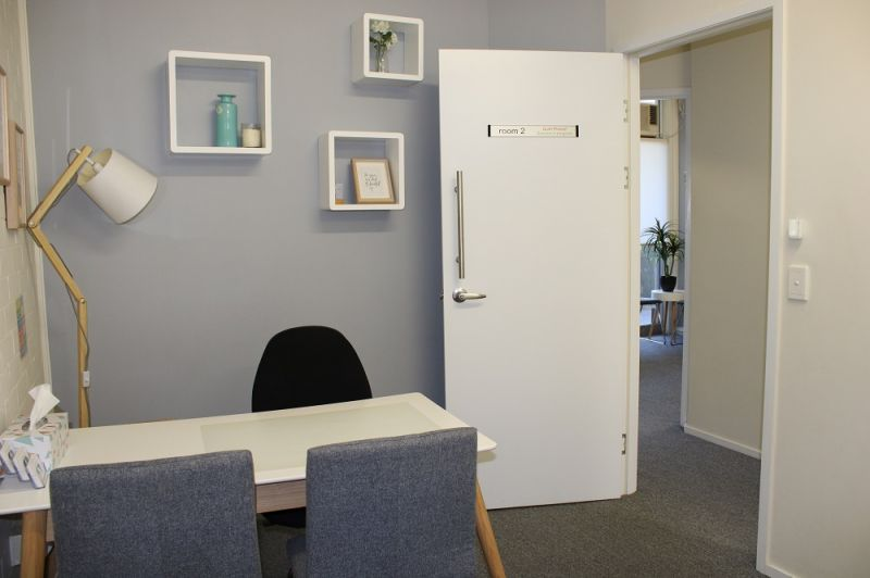 60SQM* OFFICE/MEDICAL IN BUSTLING NEIGHBORHOOD CENTRE