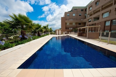 Split Level Two Bedroom Apartment with Parking