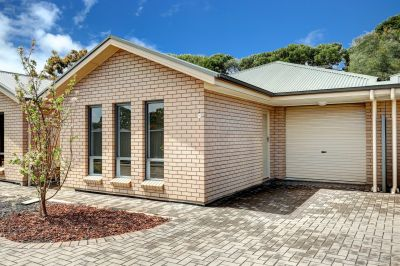 Community Title Courtyard Villa Loaded with Appeal – Ducted R/C Air Conditioning