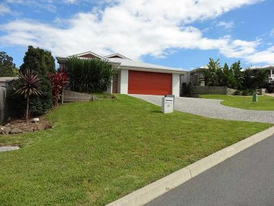 MODERN FOUR BEDROOM FAMILY HOME - PET FRIENDLY
