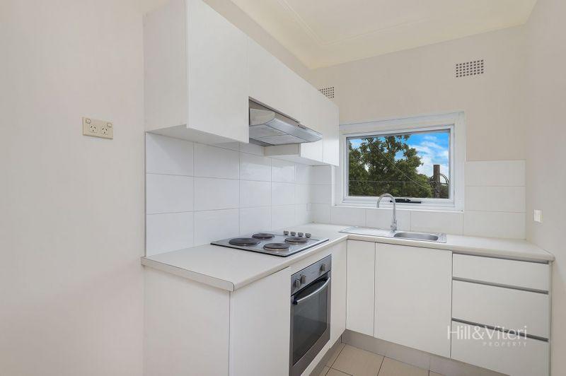 2/23 Leonay Street, Sutherland NSW 2232