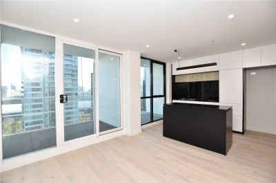 Brand New One Bedroom Apartment with Port Philip Bay Views!