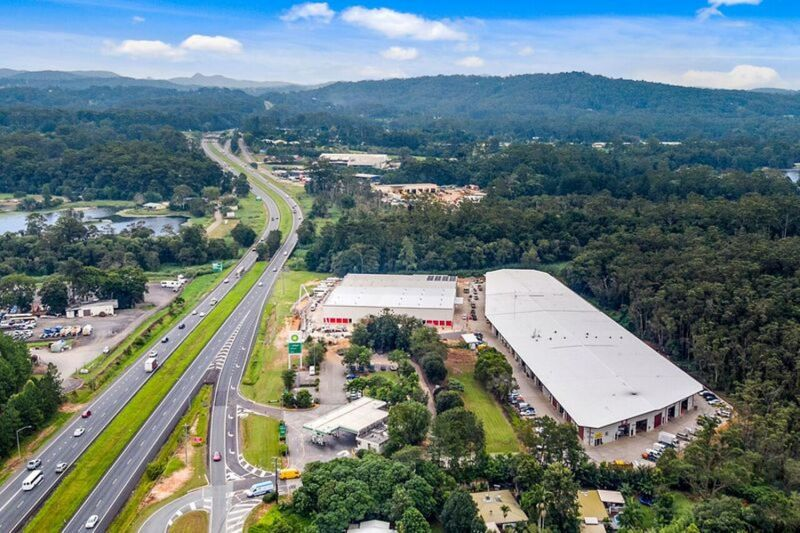 Industrial Unit Close To Bruce Highway