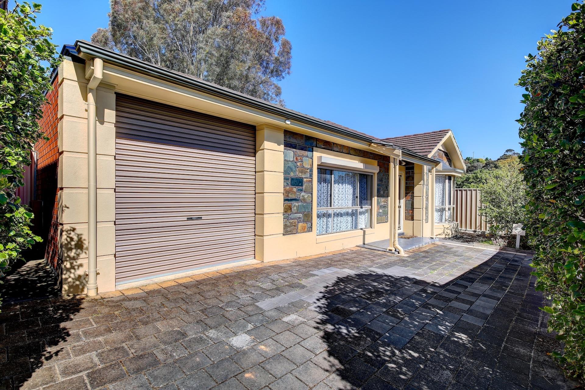 Bluestone Fronted Courtyard Villa - 3 Bedroom