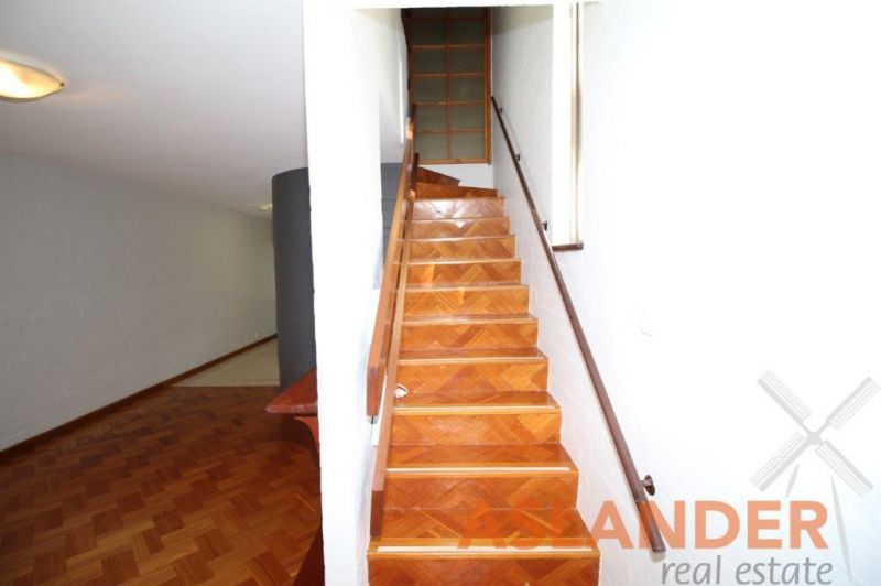 CONVENIENTLY LOCATED TOWNHOUSE, POOL IN COMPLEX