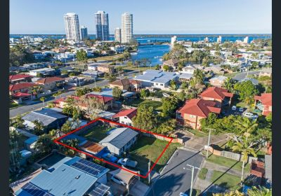Amazing Value in Fantastic Location - Biggera Waters Bargain!