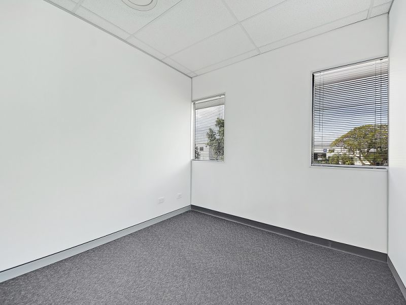 210sqm* MODERN HENDRA OFFICE WITH FIT-OUT