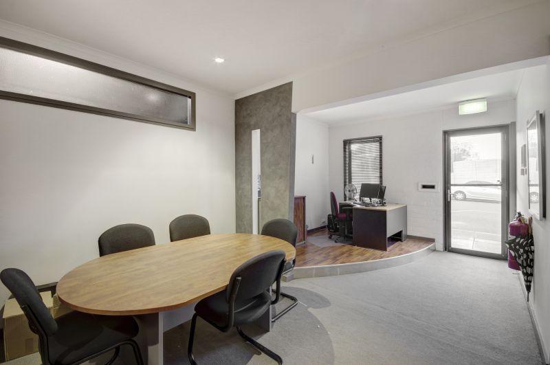 Suite 2/2 Fenwick Street South Geelong