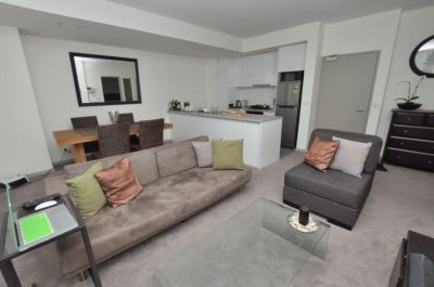 Stunning Furnished Apartment In An Unbeatable Location! L/B
