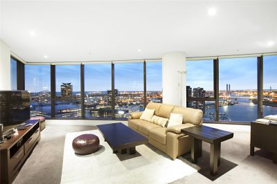 Victoria Point: Sensational Docklands Location With Stunning 33rd Floor Views!