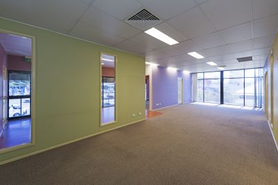 FITTED OUT HIGH END GABBA OFFICE IN LANDMARK BUILDING!