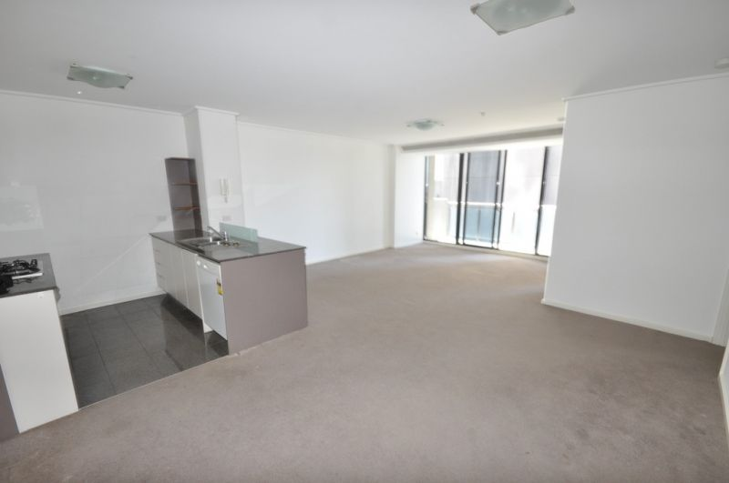 Melbourne Tower: 6th Floor - Highly Sought After Location!