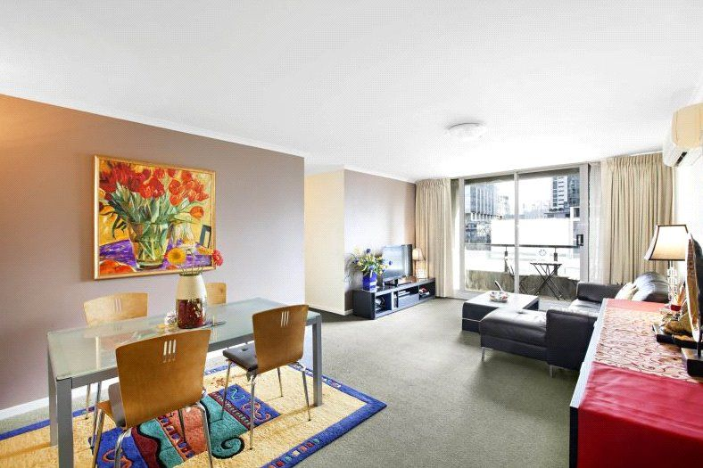 Southbank Condos: 18th Floor - You Will Adore This One!