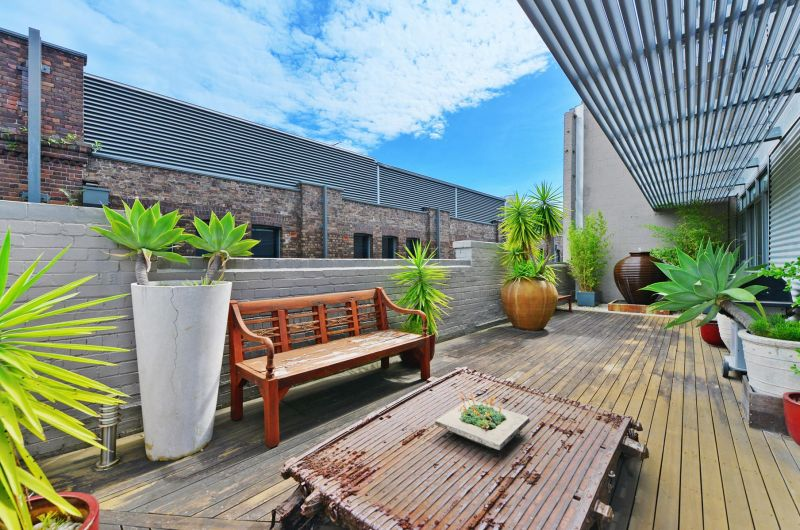 Prime Creative Office Space With Expansive Private Terrace!