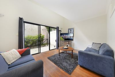 Furnished Townhouse in Bustling City-Fringing Locale