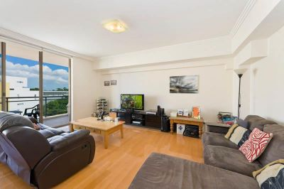 SOLD: Contemporary One Bedroom Apartment