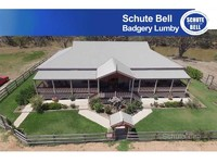 Spacious Riverfront 4 Bedroom Home and Outback Accommodation