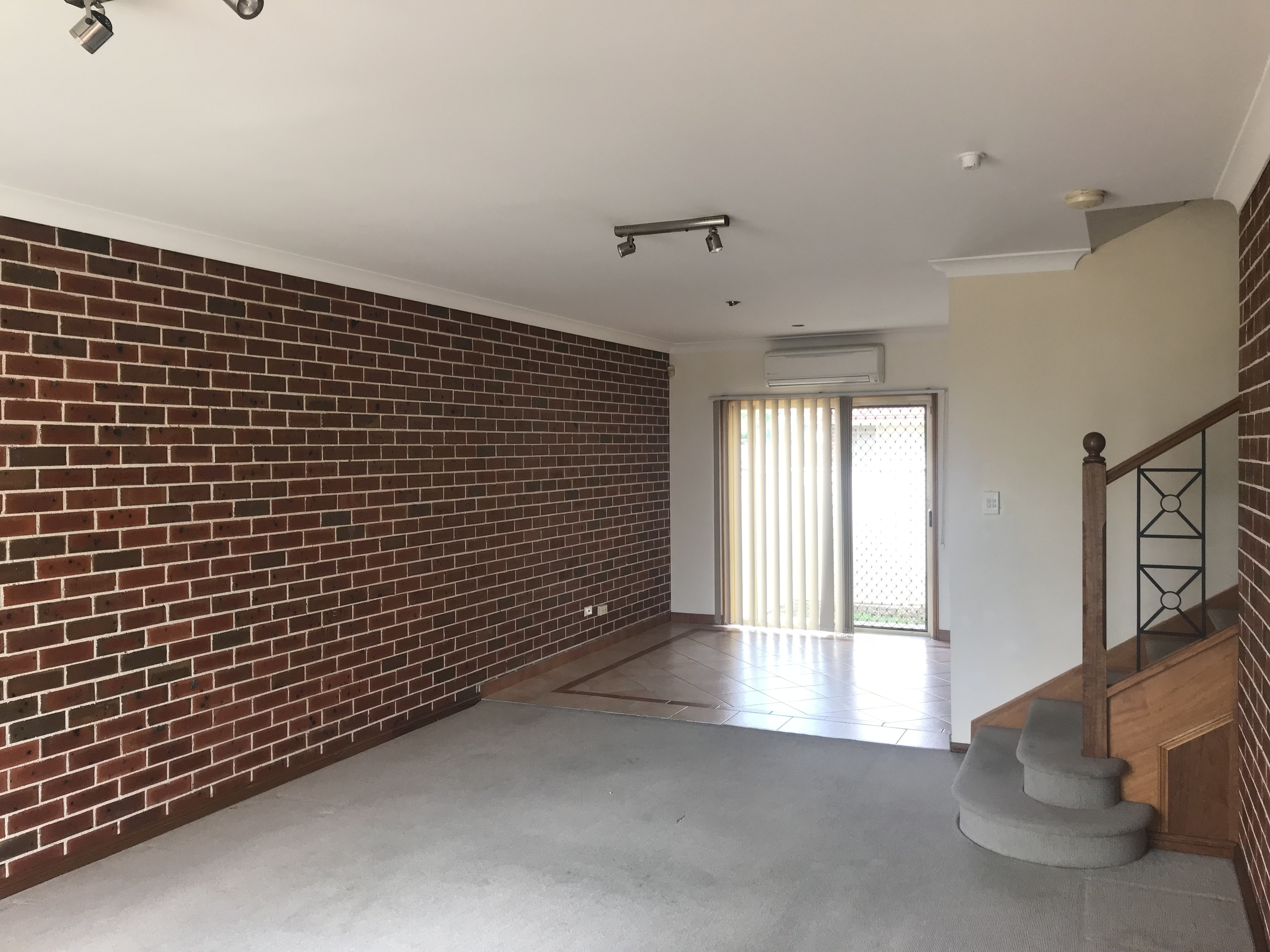2/120 Green Valley Road, Green Valley