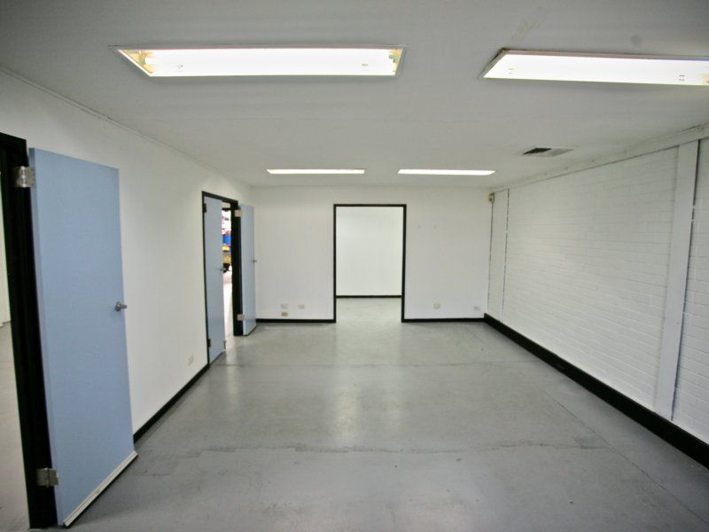 WAREHOUSE / OFFICE, CLEAN-ROOMS.