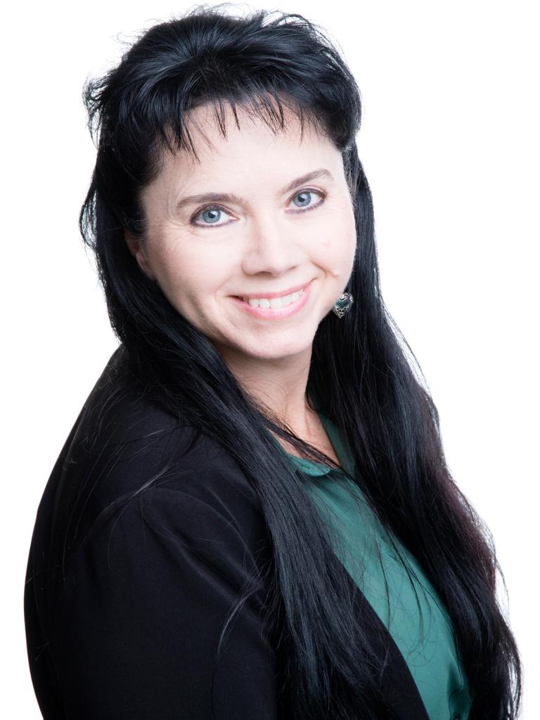 Angela Nielsen
