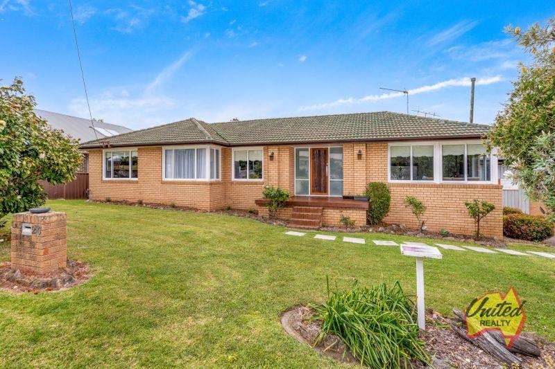Renovated Home – Huge Block & Development Potential!!!